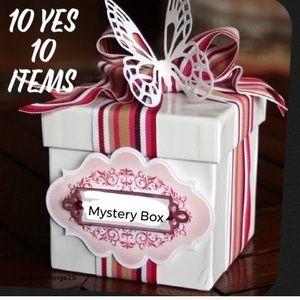 😯10 item MYSTERY BOX 😲